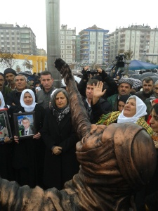 The unveiling of the Roboski massacre monument in the presence of mothers from Roboski and mayoral candidate for Diyarbakir, Gültan Kisanak. Diyarbakir, 30 December 2013.