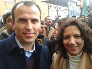 Selma Irmak with her colleague MP Faysal Sariyildiz. They were released on the same day. This picture was taken some ten days later at a rally in Van.